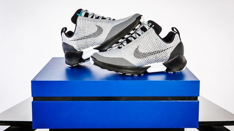 Nike conheça o tênis nike hyperadapt que se amarra sozinho