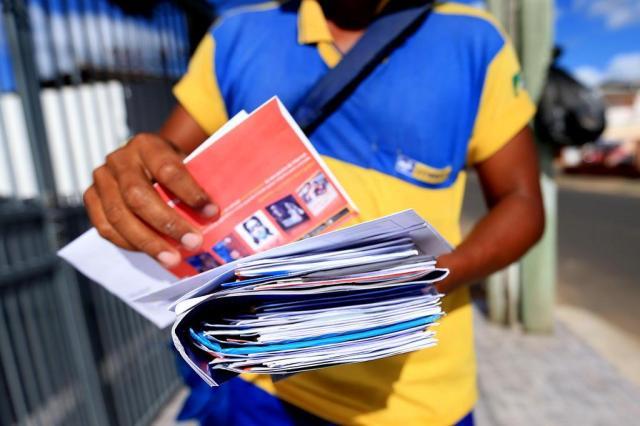 Correios em crise, correios aumenta preços e diminui eficiência Em crise, Correios aumenta preços e diminui eficiência 23145760