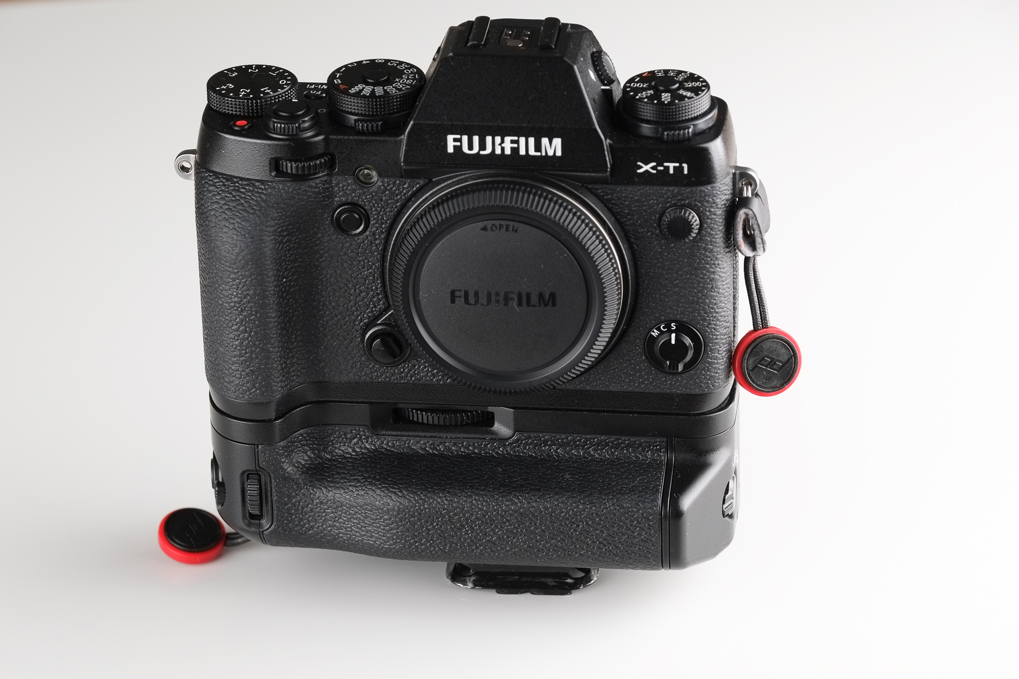Extended Carry/Hiking: Fuji X-T1 with VG-XT1 Battery Grip, Peak Design Capture Clip, and Peak Design Anchors