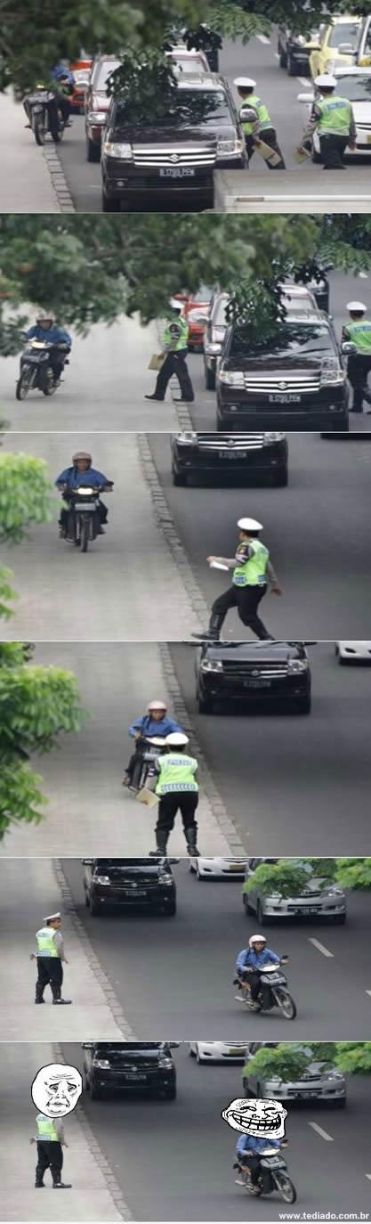 Trollando o policial 4