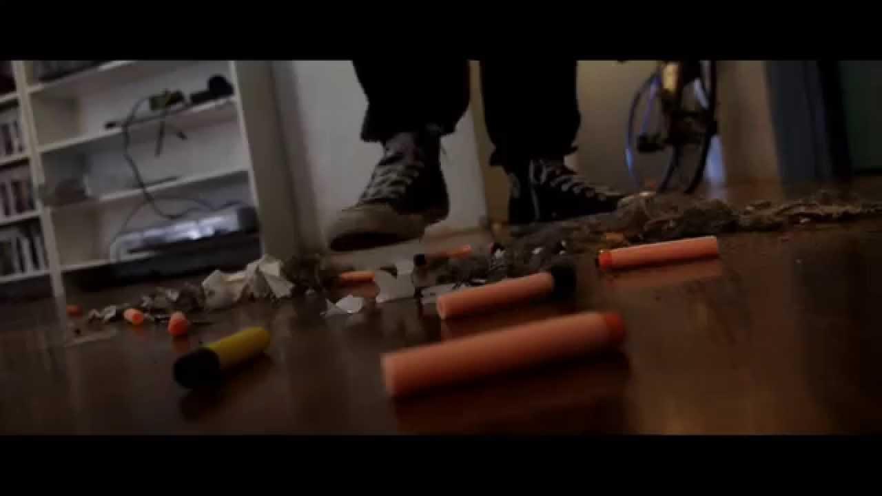 A épica batalha com armas de brinquedo 8