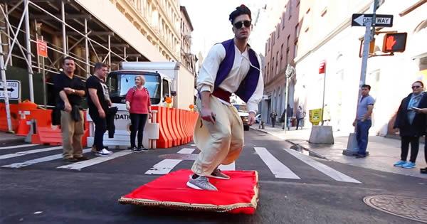 Aladdin e seu tapete mágico pelas ruas de Nova York 7