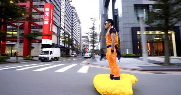 Fã de Dragon Ball transforma Hoverboard em uma nuvem voadora 4