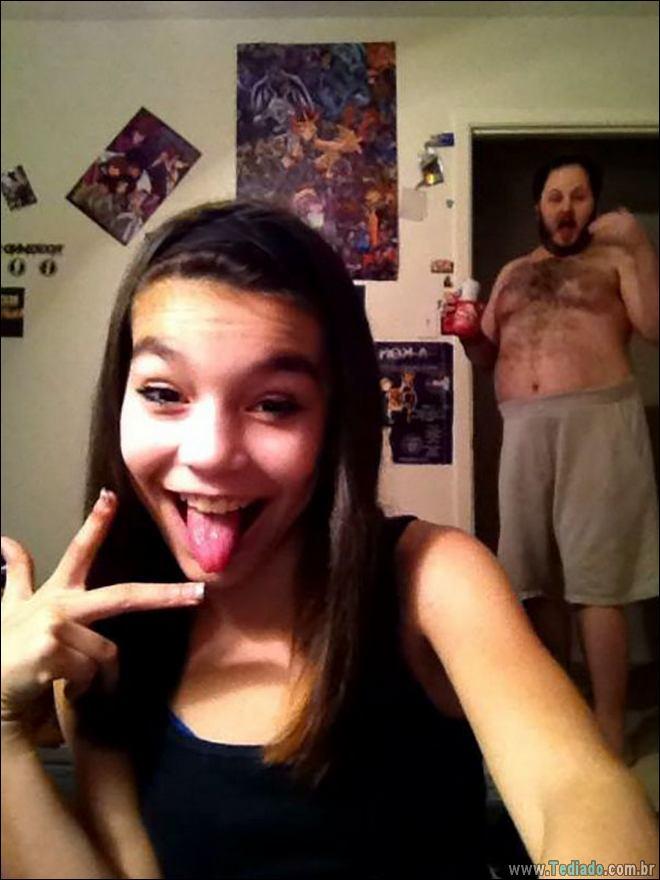 13 piores Selfies de pessoas que esqueceu de verificar o fundo 11