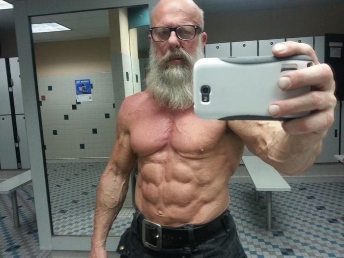 Este avô pode te ensinar como se proteger na escola