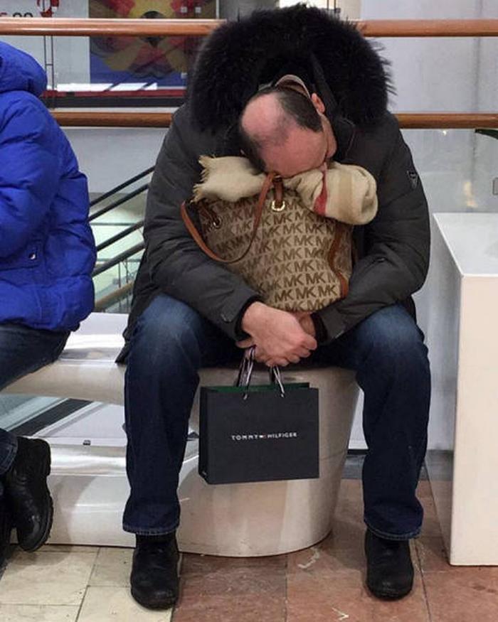 31 homens que conhecem a dor das compras 31