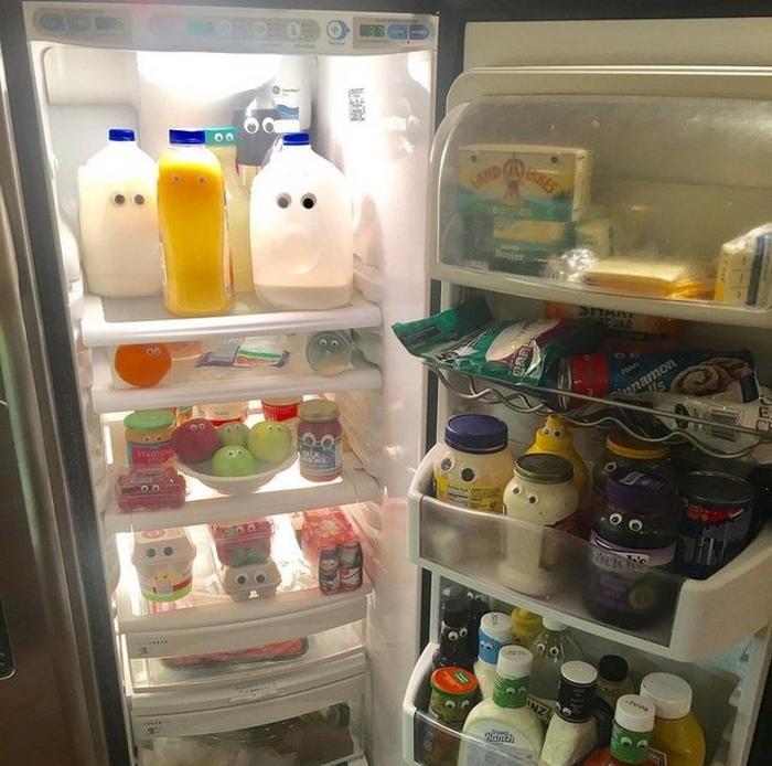 Meu pai colocou os olhos em tudo que tinha na geladeira