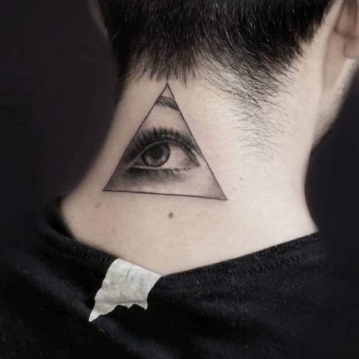45 idéias inspiradoras de tatuagem para o pescoço e nuca 4
