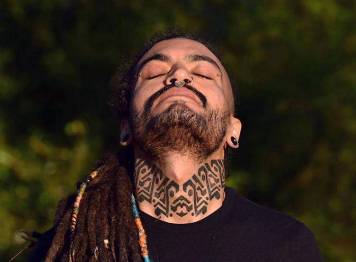 45 idéias inspiradoras de tatuagem para o pescoço e nuca 18