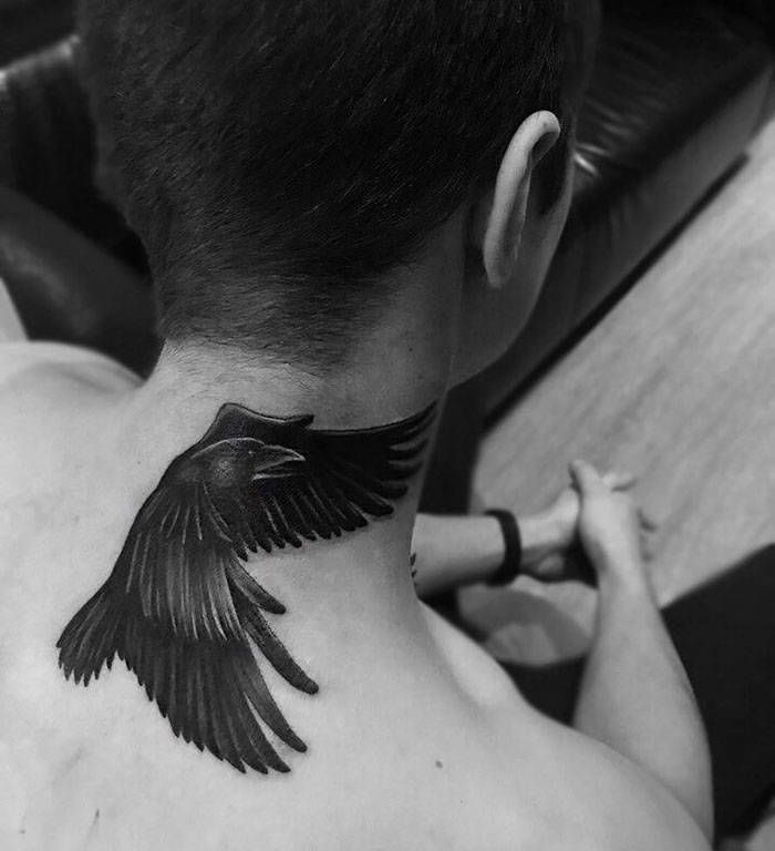 45 idéias inspiradoras de tatuagem para o pescoço e nuca 34