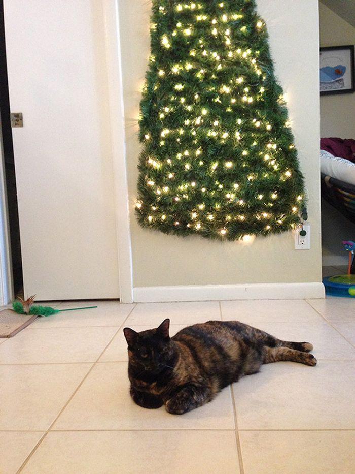 21 dicas genias de como proteger sua árvore de Natal dos animais de estimação 14