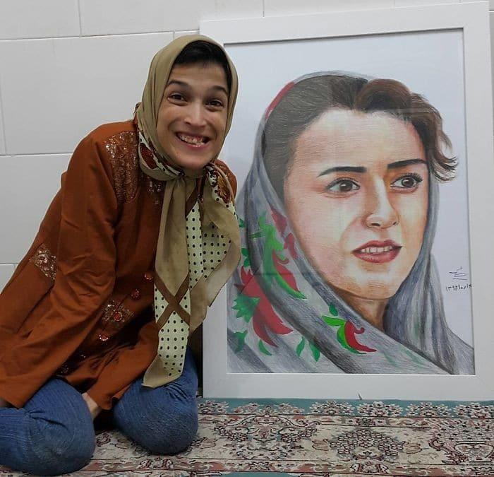 35 retratos incríveis desta artista iraniana com deficiência que usa apenas o Pé 27