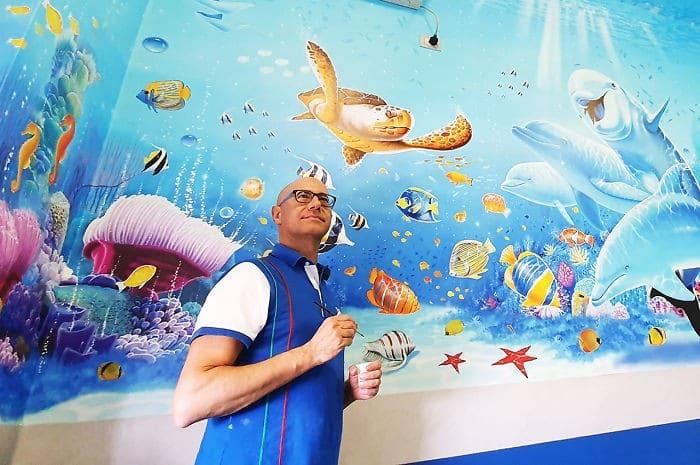 34 fotos de belos murais em hospitais do artista italiano que ajudam crianças e adultos 12