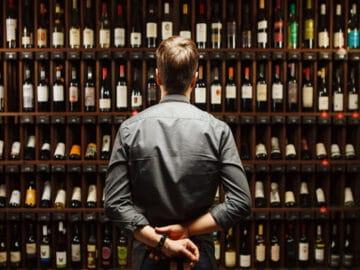 17 histórias de funcionários de lojas de bebidas sobre menores de idade tentando comprar bebida 2