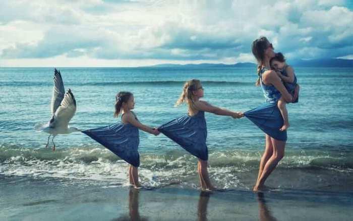 Fotógrafo cria manipulações extraordinárias com a sua própria família 10
