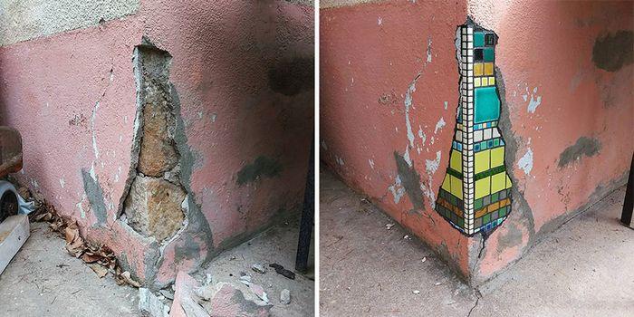 Artista conserta calçadas, buracos e edifícios rachados usando mosaicos vibrantes (30 fotos) 2