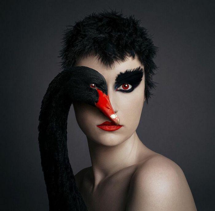 Artista húngara compartilha os olhos dos animais em sua série de auto-retratos (19 fotos) 11