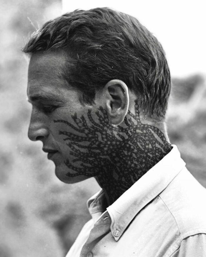 Qual seria a aparência de 48 celebridades se tivessem tatuagens legais 21