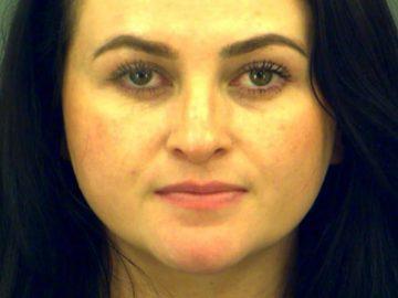 Mãe se passa por filha de 13 anos e é presa por isso 8