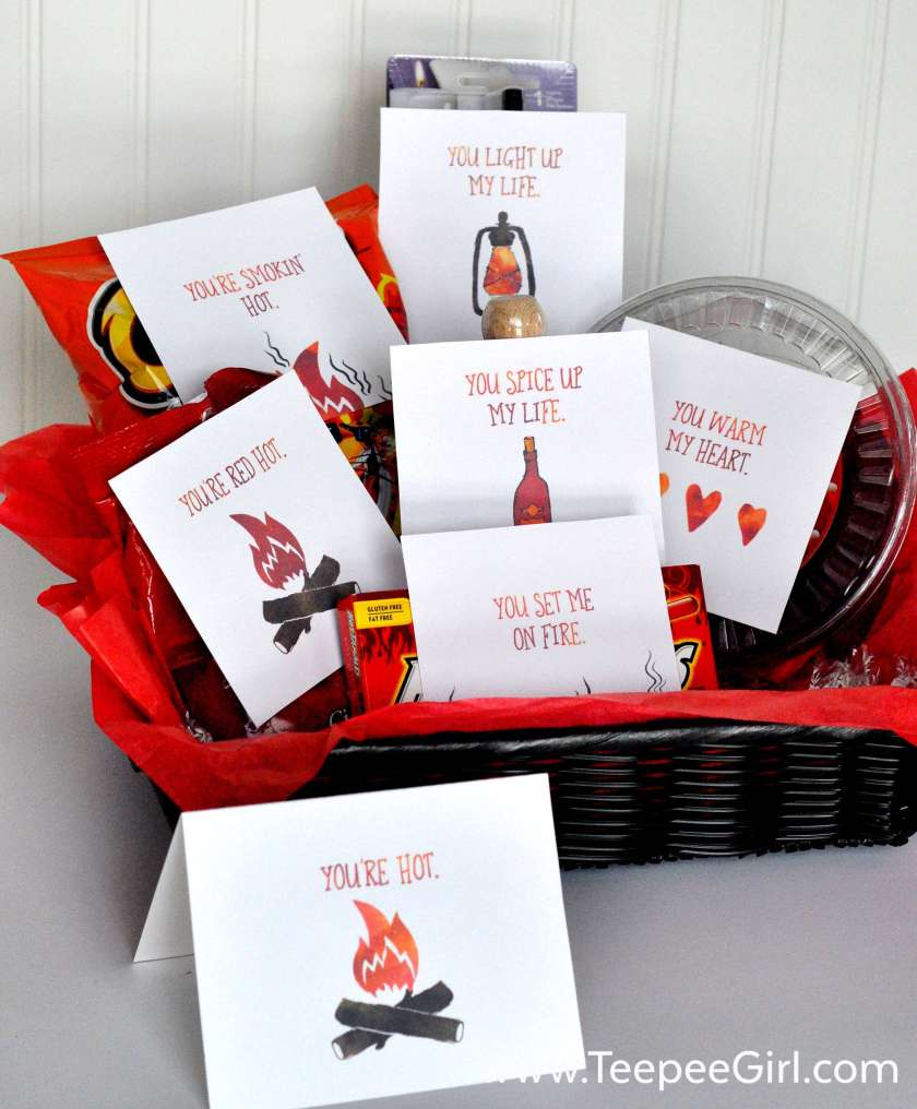 """Looking for the perfect Valentine's Day gift for your sweetie? These free printables are the perfect way to show love and admiration for your """"hottie!"""" There are six printable tags plus a matching card! www.TeepeeGirl.com"""