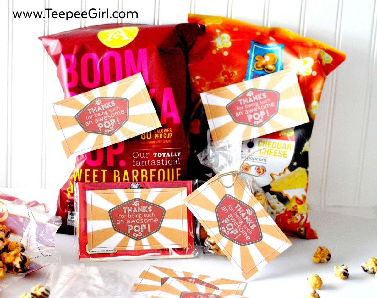 """These free Father's Day gift tags are perfect for adding some love to popcorn or soda! """"Thanks for being an awesome pop!"""" Get it today at www.TeepeeGirl.com!"""