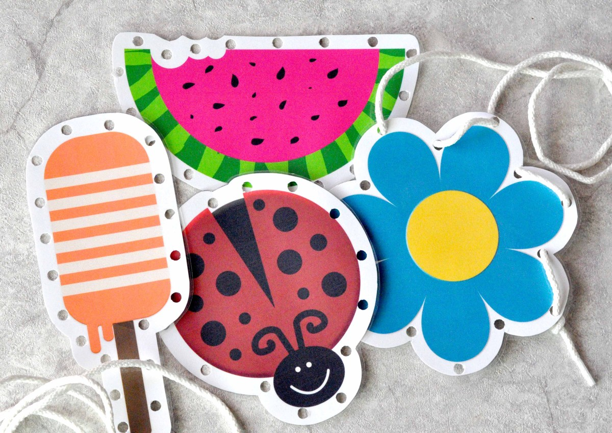 These sewing (lacing) cards are fun for parties & afternoons at home! Or use them to keep busy hands quiet at church. Free printable at TeepeeGirl.com