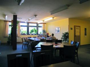 Hier findet der Tagesbetrieb statt, aber auch abends die Gruppentreffen.