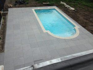 Tegelwerken Benoey Zwembad Tegels en Boordstenen
