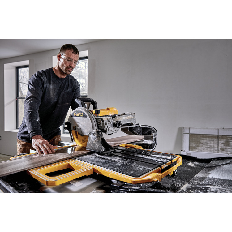 dewalt d36000s 10 in high capacity wet tile saw with stand
