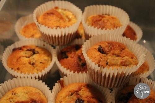 Quick Banana Raisin Chocolate Muffins