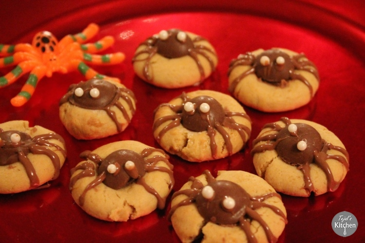 Thumb Print Spider Halloween Cookies