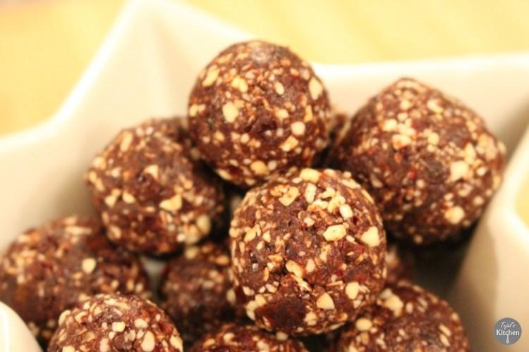 Healthy Oat Cashew Balls