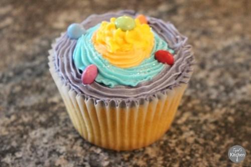 Pinata Cup Cake