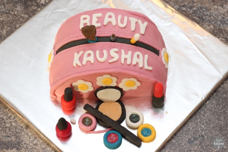 Kaushal Beauty Make Cake