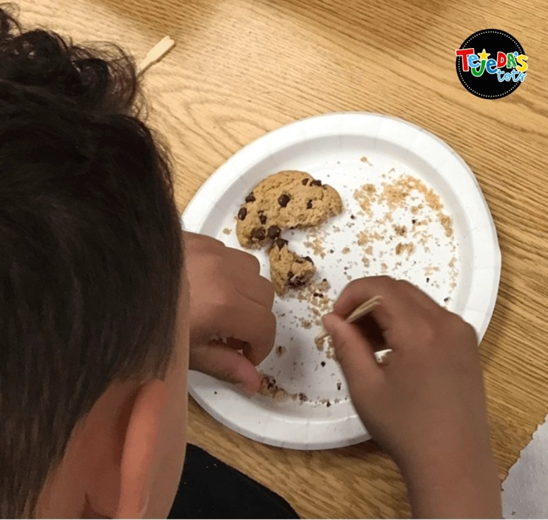 "During our dinosaur unit, students got to be paleontologists and excavated chocolate chip ""fossils"" from cookie ""rocks"" using toothpick chisels and brushes! #tejedastots"