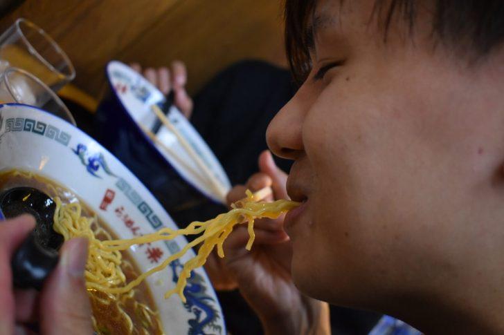 らぅめん青葉の麺