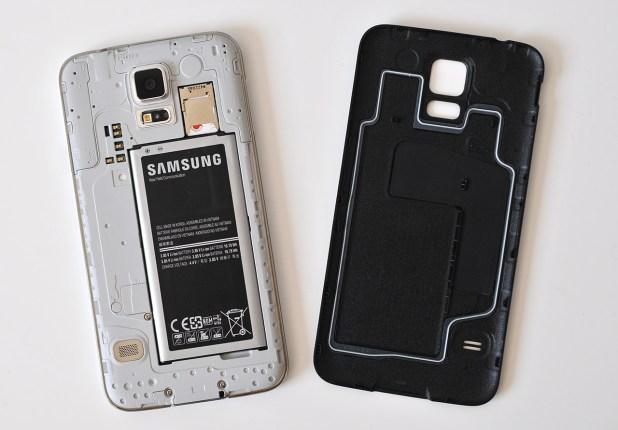 Samsung Galaxy S5 - Tapa retirada