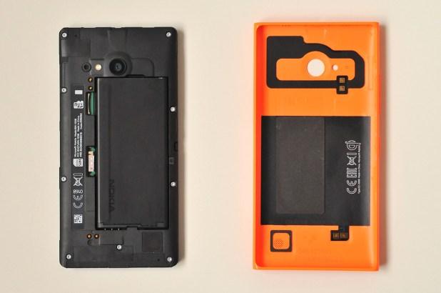 Nokia Lumia 735 - 2