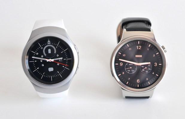 Samsung Gear S2 (izqda.) y Huawei Watch (dcha.)