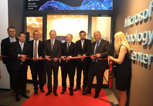 Microsoft İstanbul teknoloji merkezi açılışı