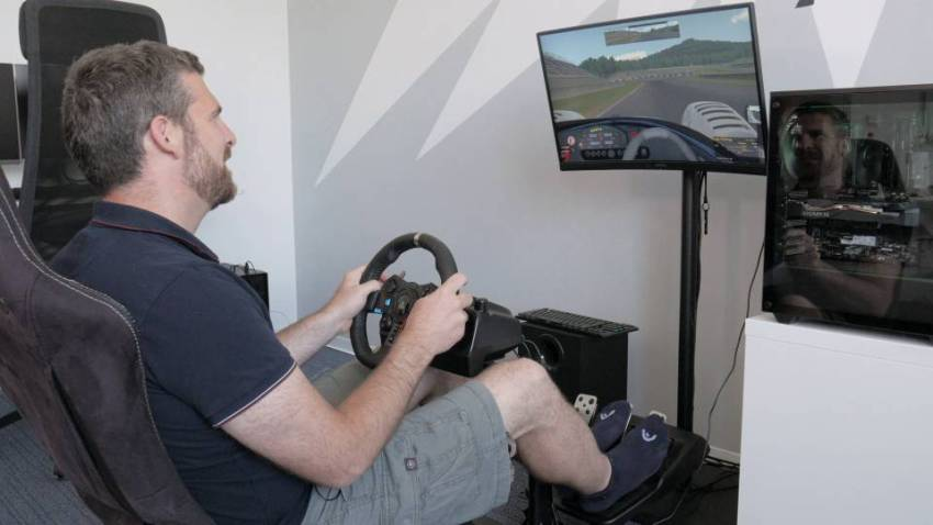 high refresh rate iracing