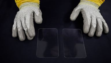 Apple Invests again into Corning