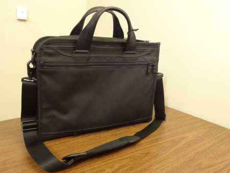 Tumi Alpha 2 Slim Deluxe Portfolio Brief Back