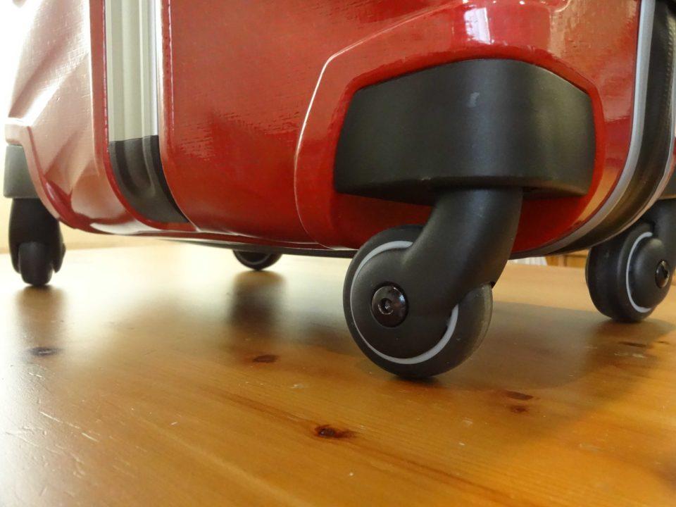 Samsonite Firelite Carry-On Spinner Wheels