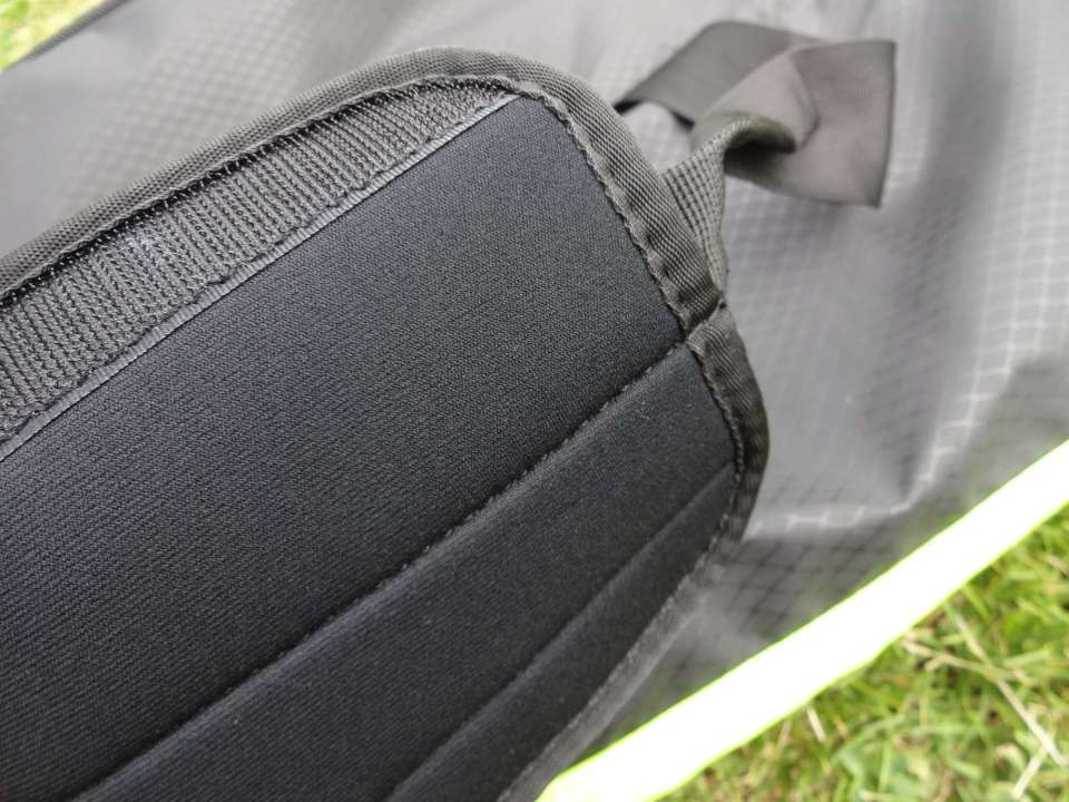 Nike Max Air Vapor Duffel Padded Handle