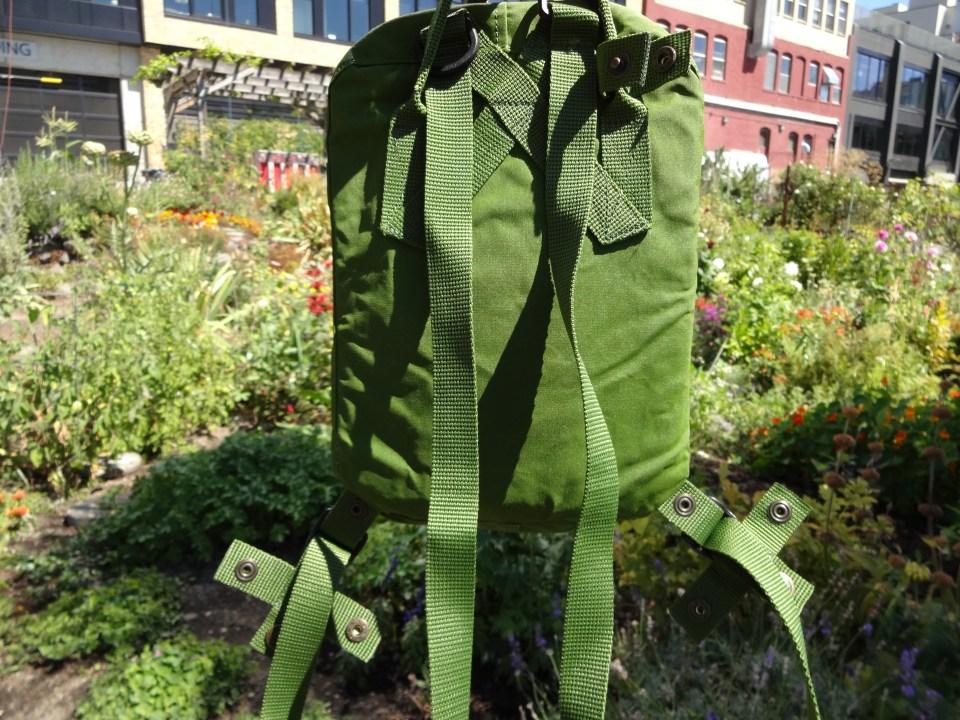 Fjallraven Kanken Mini Leaf Green - Shoulder Straps