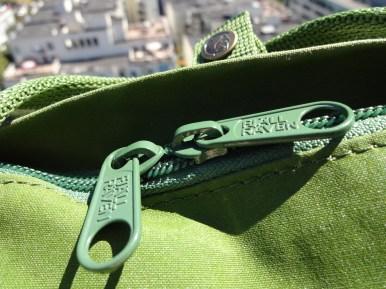 Fjallraven Kanken Mini Leaf Green - Zippers