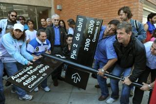 """Ex-combatientes de Malvinas repudiaron el cambio de nombre de la calle """"2 de abril"""" por Inglaterra"""