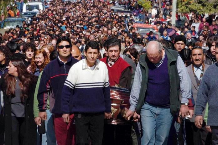 """""""Masacre de Patagones"""": ocurrida en el 2004, un adolescente ingresó a un aula y comenzó a disparar, lo que ocasionó la muerte de tres de sus compañeros y heridas a otros seis."""