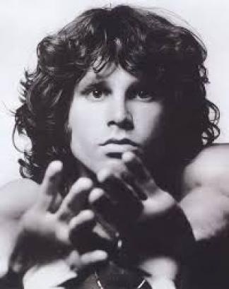 Morrison, genio y figura de presencia estelar en el cementerio más grande de París.